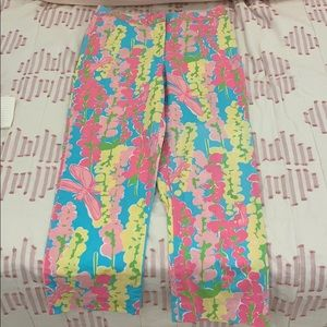 Lilly Pulitzer whits label Capri pants